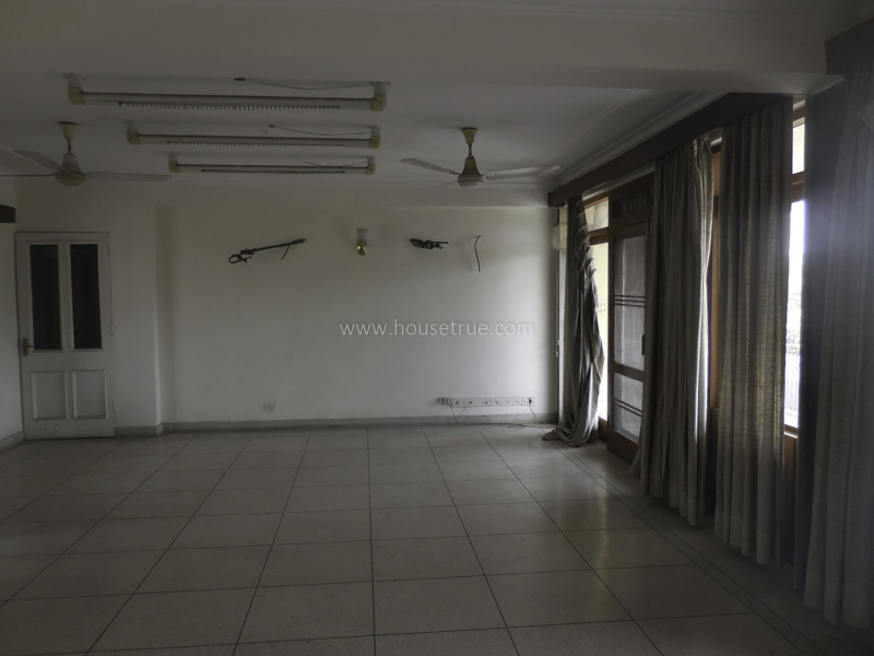 Unfurnished-Apartment-Safdarjung-Development-Area-New-Delhi-10104