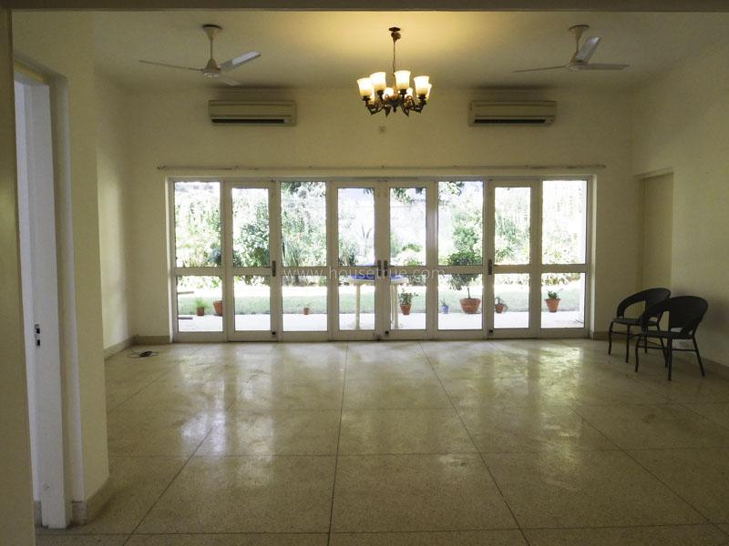 Unfurnished-House-Vasant-Vihar-New-Delhi-10559