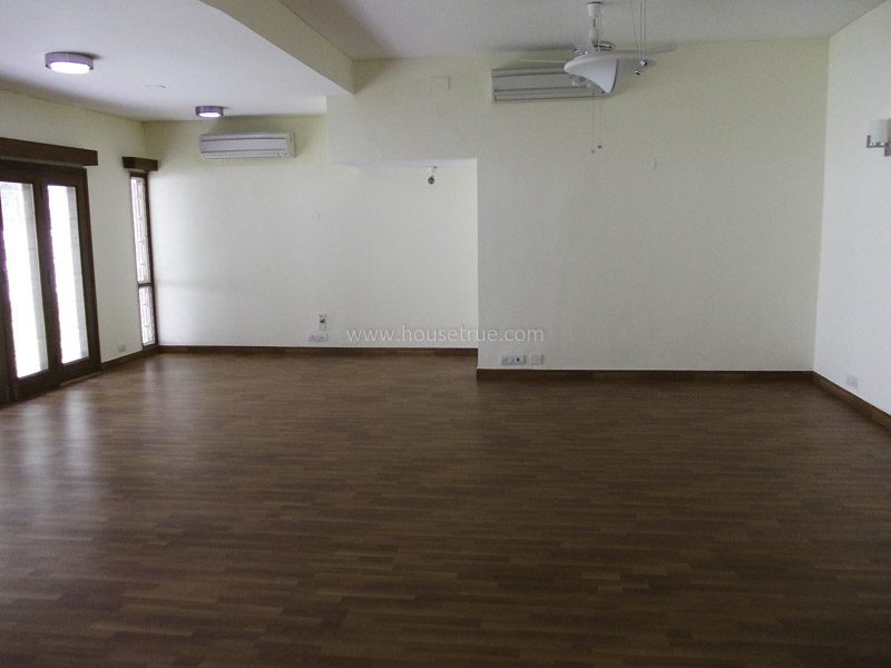 Partially Furnished-House-West-End-Colony-New-Delhi-11970
