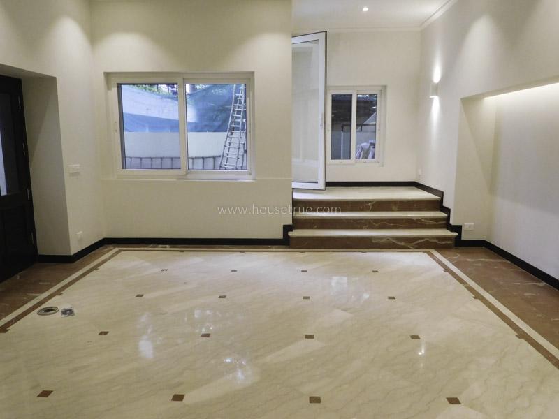 Unfurnished-Triplex Apartment-Aurangzeb-Road-New-Delhi-12644