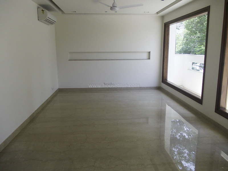 Partially Furnished-Apartment-Defence-Colony-New-Delhi-12885