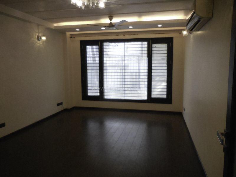 Fully Furnished-Apartment-Defence-Colony-New-Delhi-12920