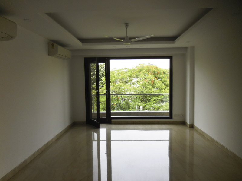 Partially Furnished-Apartment-Defence-Colony-New-Delhi-13689