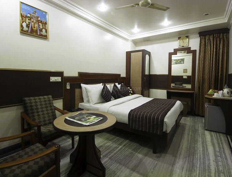 Fully Furnished-House-DLF-City-Phase-2-Gurugram-14180