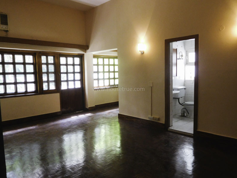 Unfurnished-Apartment-Friends-Colony-East-New-Delhi-14390