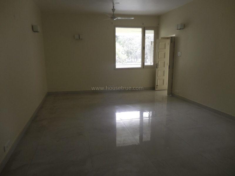 Unfurnished-Apartment-Golf-Links-New-Delhi-15954