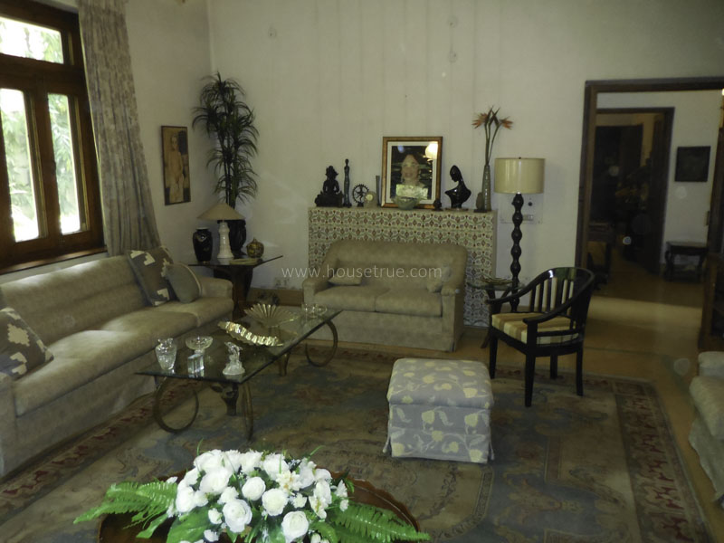 Fully Furnished-Apartment-Golf-Links-New-Delhi-16003