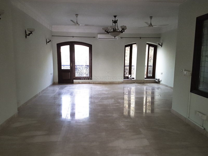 Partially Furnished-Apartment-Golf-Links-New-Delhi-16020