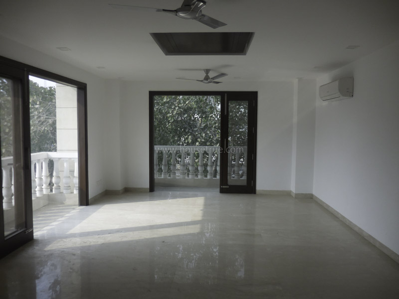 Unfurnished-Apartment-Green-Park-Extension-New-Delhi-17297