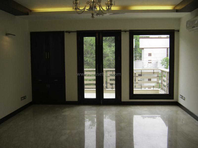 Unfurnished-Apartment-Hauz-Khas-New-Delhi-17530