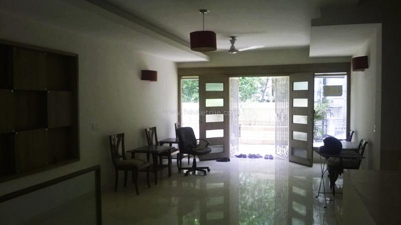 Partially Furnished-Apartment-Hauz-Khas-Enclave-New-Delhi-17708