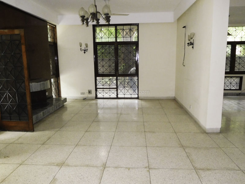 Partially Furnished-Apartment-Kailash-Colony-New-Delhi-18291