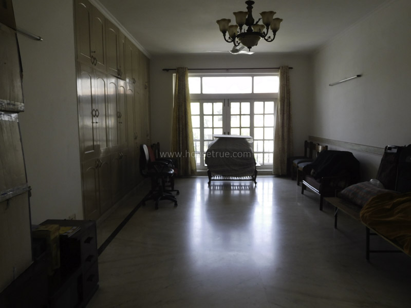 Unfurnished-House-New-Friends-Colony-New-Delhi-19082