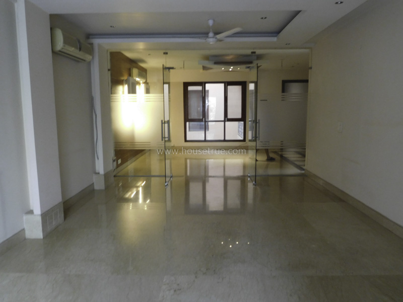 Partially Furnished-Apartment-New-Friends-Colony-New-Delhi-19090