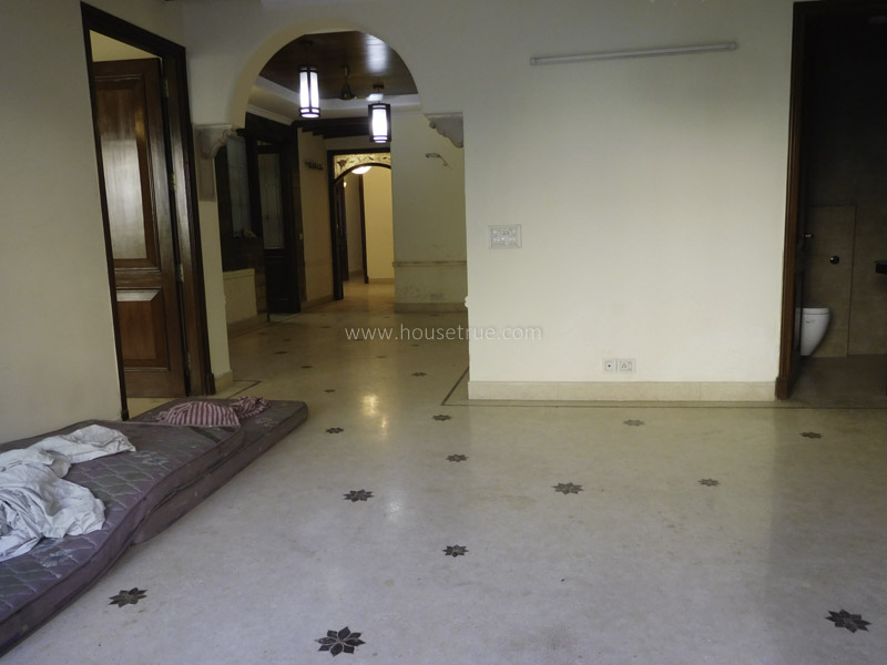Unfurnished-Apartment-New-Friends-Colony-New-Delhi-19131