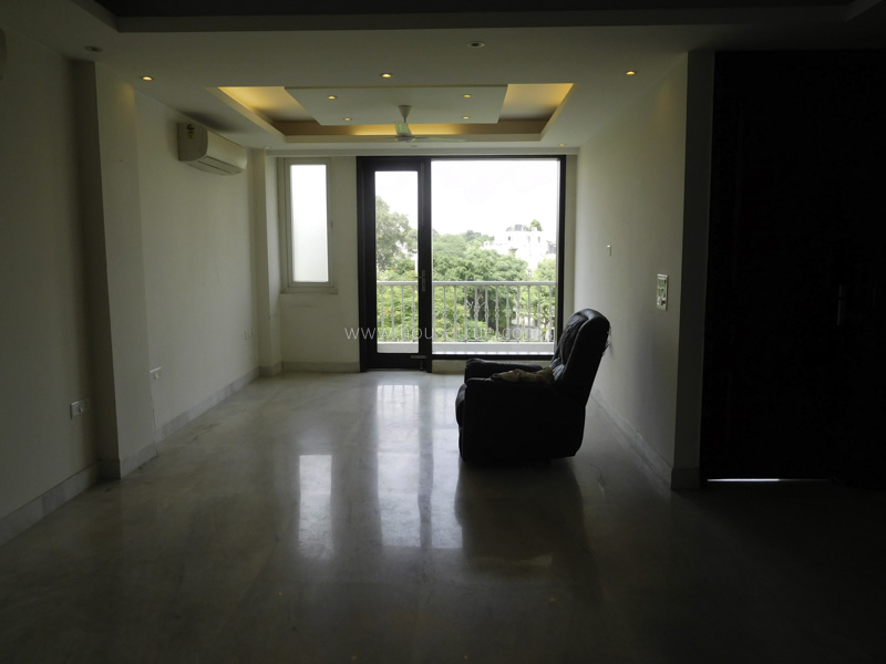 Partially Furnished-Apartment-Nizamuddin-East-New-Delhi-19275
