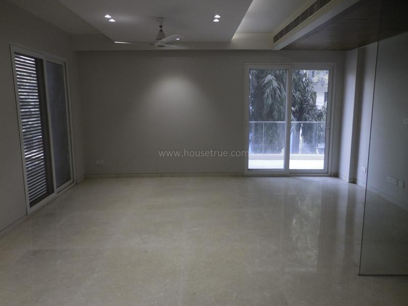 Unfurnished-Triplex Apartment-Pamposh-Enclave-New-Delhi-19452