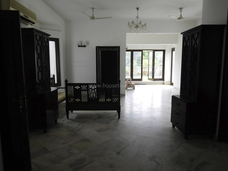Partially Furnished-Apartment-Panchsheel-Park-New-Delhi-19705