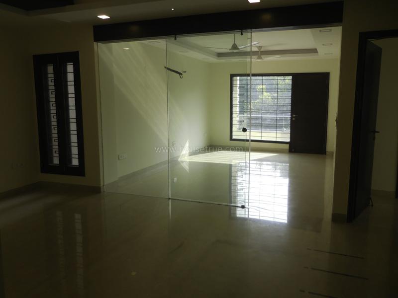 Partially Furnished-Apartment-Safdarjung-Enclave-New-Delhi-20475