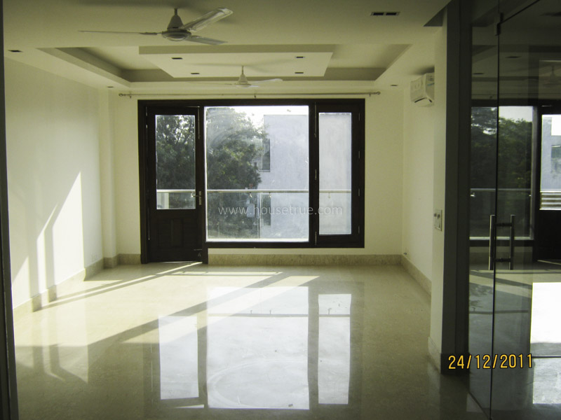 Unfurnished-Apartment-Sarvodaya-Enclave-New-Delhi-20993