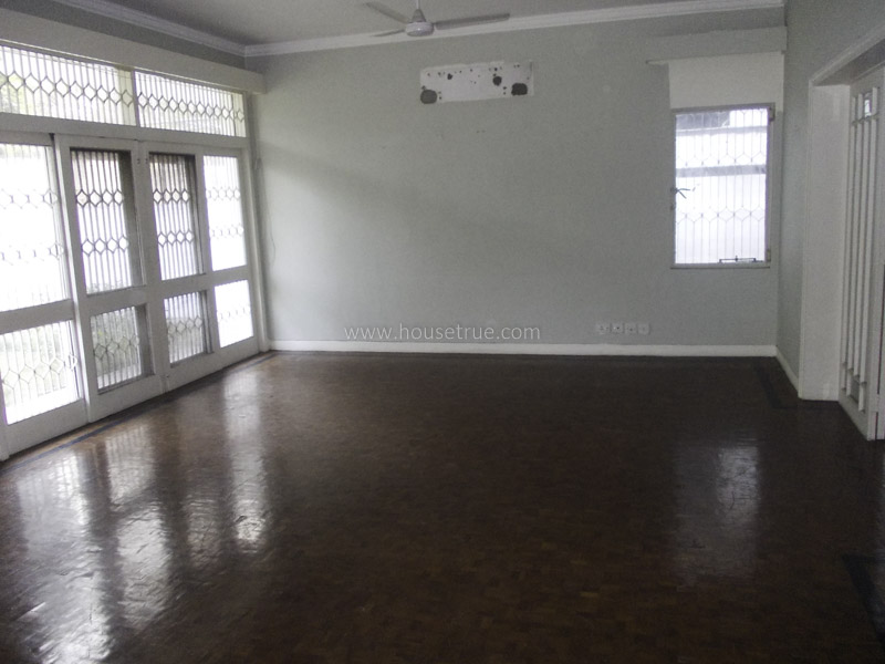 Unfurnished-Apartment-Shanti-Niketan-New-Delhi-21149
