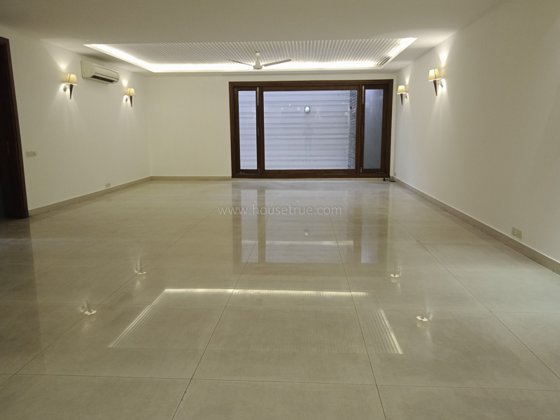 Partially Furnished-Apartment-West-End-Colony-New-Delhi-22184
