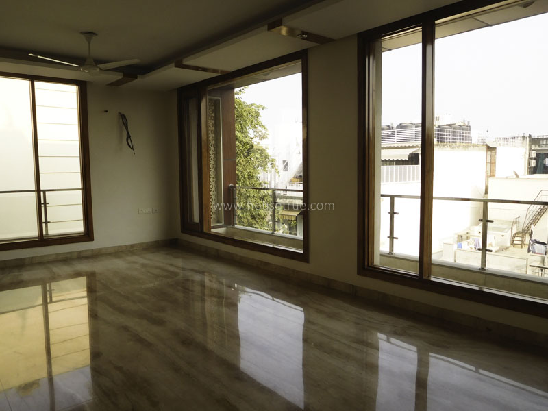 Unfurnished-Apartment-South-Extension-2-New-Delhi-23124