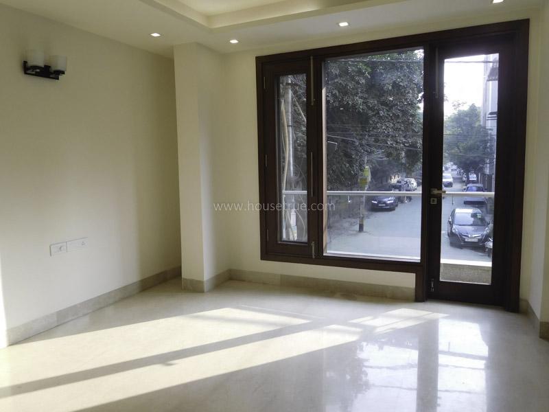 Partially Furnished-Apartment-Safdarjung-Enclave-New-Delhi-23495