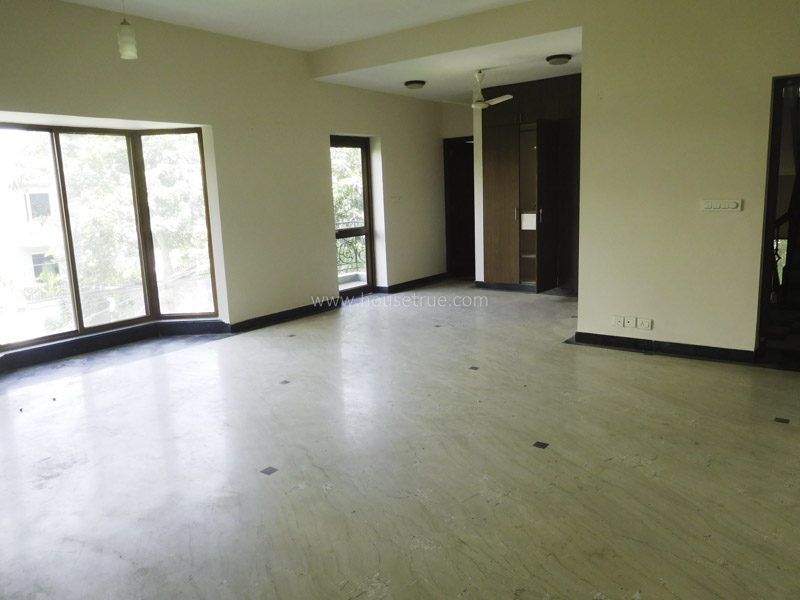 Unfurnished-House-Friends-Colony-East-New-Delhi-23816