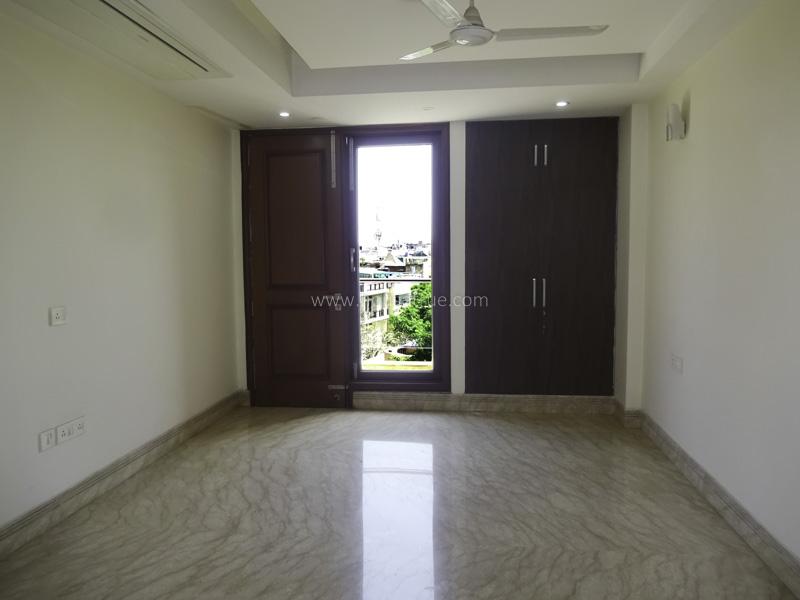 Unfurnished-Apartment-Safdarjung-Enclave-New-Delhi-24311