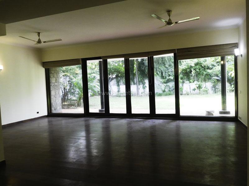 Unfurnished-House-Maharani-Bagh-New-Delhi-24414