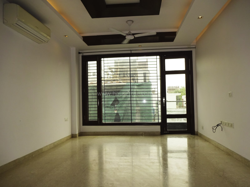 Unfurnished-Apartment-South-Extension-2-New-Delhi-24529