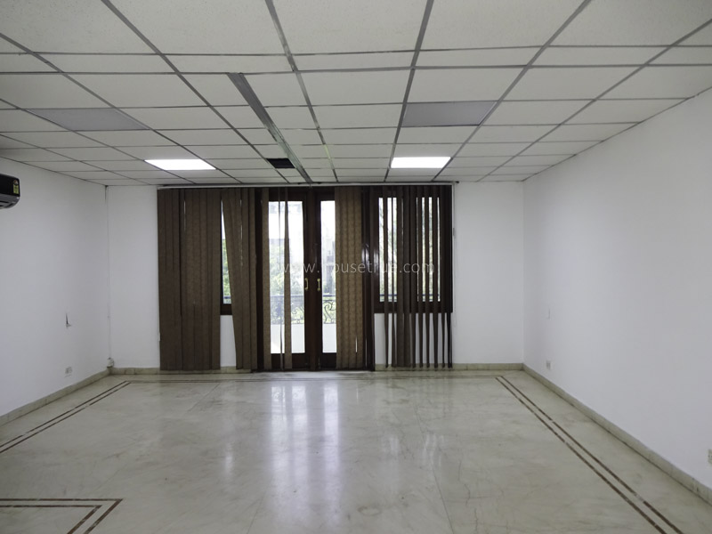 Unfurnished-House-Vasant-Vihar-New-Delhi-24680