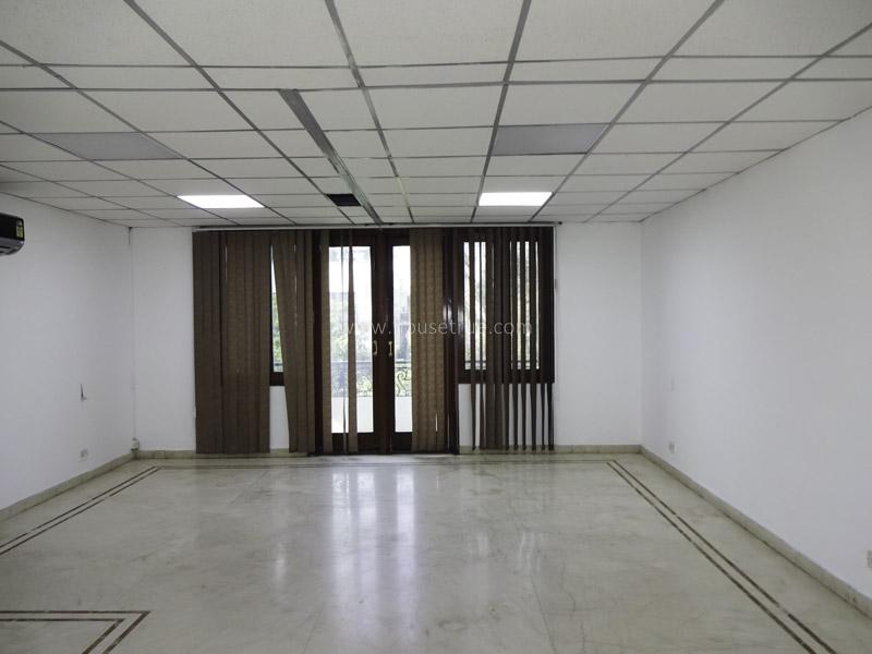 Unfurnished-House-Vasant-Vihar-New-Delhi-24680