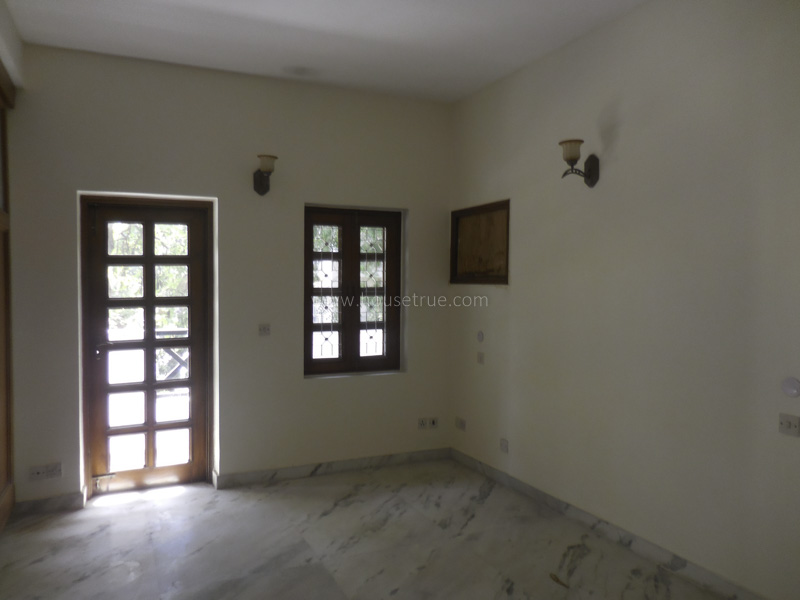 Unfurnished-House-Vasant-Vihar-New-Delhi-25536