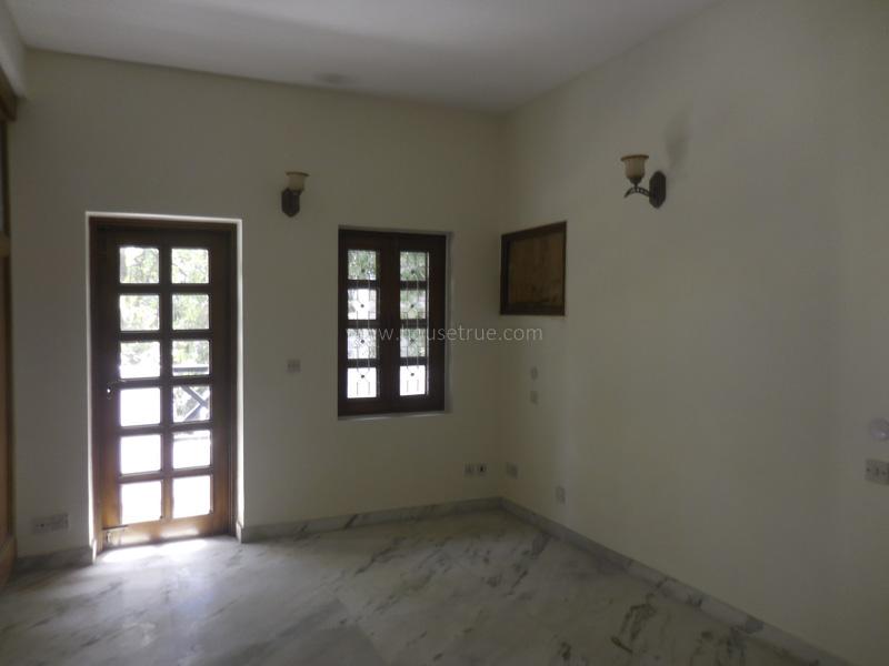 Unfurnished-House-Vasant-Vihar-New-Delhi-25536