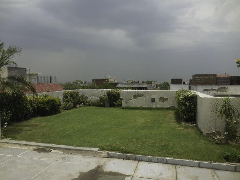 Unfurnished-Apartment-Vasant-Vihar-New-Delhi-52